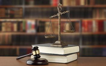 訴訟(裁判)というと、多額の費用が必要というイメージがあるかもしれませんが、「少額訴訟」に必要な金額は合計で2万円前後です。